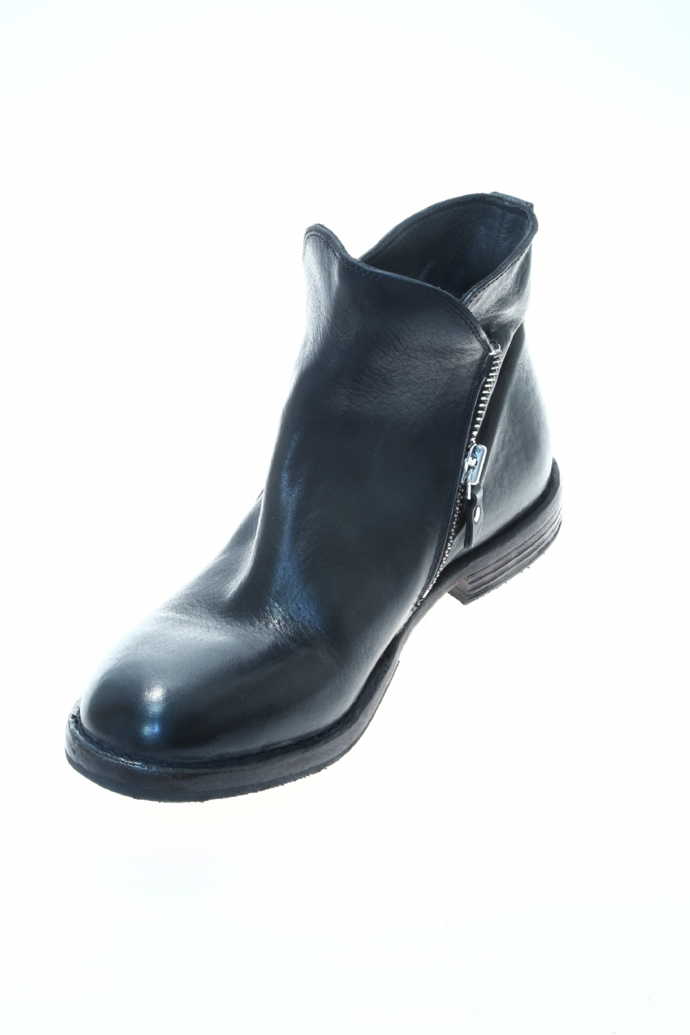3e9ee7ed782565 Leather Black Boot MOMA
